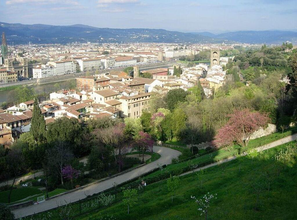 Verbringen Sie einen Tag damit, durch den hübschen Giardino Bardini ...