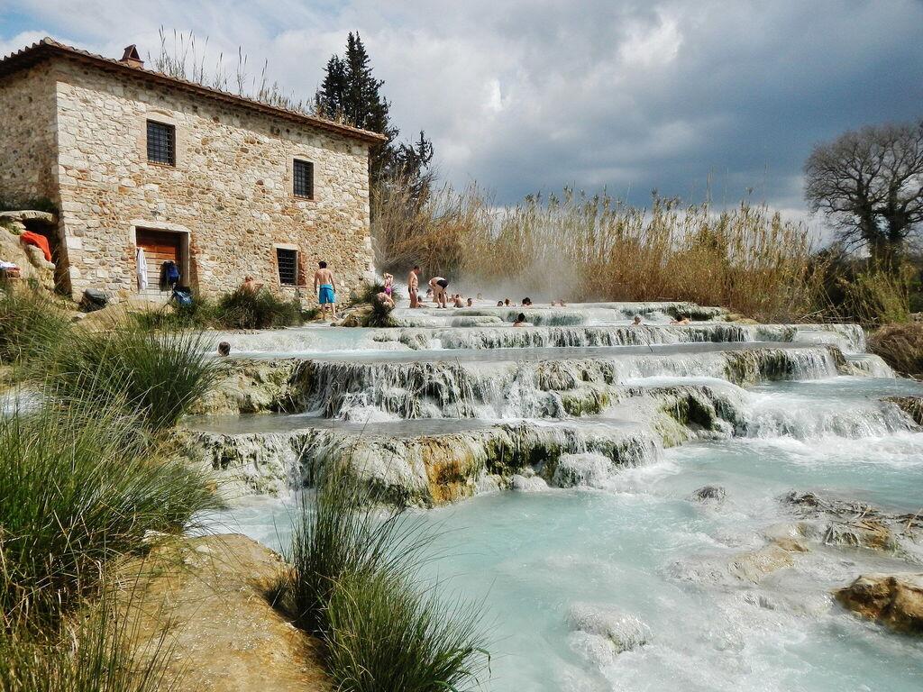 Thermalwasser und Geschichte in hübscher Lage in Saturnia